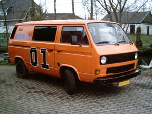 VW T3 bus in Dukes of Hazard kleuren