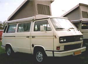 VW T3 camper met hefdak omhoog