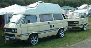 VW T3 met aanhanger van een T3 waar een bbq in zit