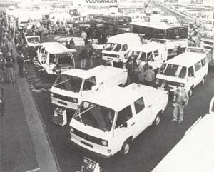 VW T3 bussen op de stand van VW op de RAI in 1980