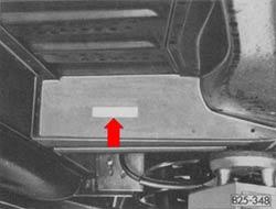 Locatie van het ingeslagen chassisnummer bij de VW T3
