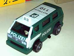 Modelletje van Darda als Duitse politie VW T3 met frictiemotor
