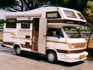 VW T3 alkoof camper in Amerikaanse stijl