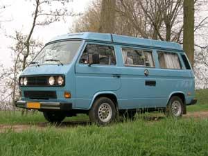 Blauwe VW T3 Westfalia camper vanagon