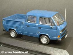 Blauwe VW T3 doka schaalmodel 1/43