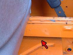 Het M plaatje achter de bestuurdersstoel van een VW t3