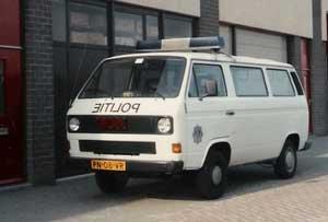 Oude VW T3 politiebus in Utrecht