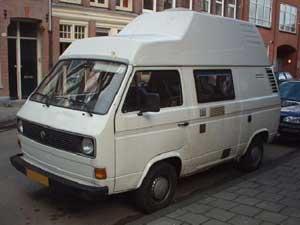 Witte VW T3 camper met hoogdak