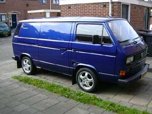 Blauwe VW T3 gesloten bestelbus