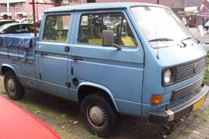 VW T3 doka blauw met vlakzeil op laadbak