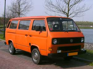 T3 9-persoons bus oranje